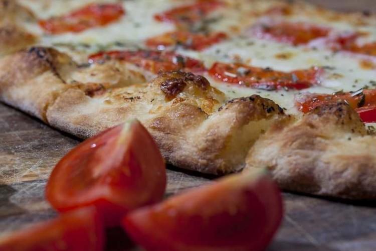 Pizza al piatto Selva Nera