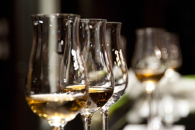 wine-glasses-1246240_640